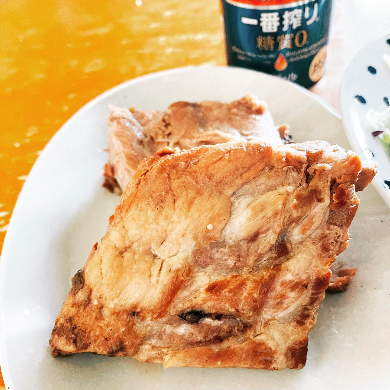 電気圧力鍋でやわらかくなったバックリブで昼ビールしました。骨が6本もあり、肉も薄かったですが、おいしくできました。https://store.shopping.yahoo.co.jp/themeatguy/p101.html#yahooショッピング #一番搾り糖質ゼロ #バックリブ #昼ビール #ビール #豚肉 #電気圧力鍋 #映えないご飯 #映えない #糖質制限ダイエット #糖質制限レシピ #糖質制限 #糖質オフ #糖質offアドバイザー #手料理 #手料理グラム