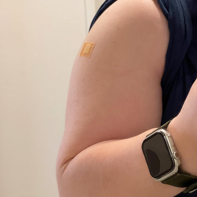 本日、モデルナ2回目の接種が完了しました。今のところ問題ありません。#ワクチン接種 #モデルナ #コロナワクチン#モデルナ2回目