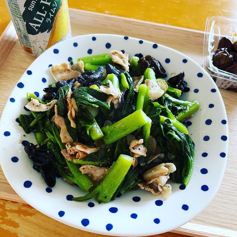 お昼は、福島県産のつるむらさきを豚肉、キクラゲと炒めました。イオンの鶏レバー煮も。鉄分やビタミンを補給できました。#オールフリー #オールフリーライムショット #ノンアルコール #ノンアルコールビール #ランチ #休日ランチ #手料理 #手料理グラム #福島県産 #つるむらさき #鶏レバー #鶏レバー煮 #炒め物 #糖質制限ダイエット #糖質制限レシピ #糖質制限 #糖質オフダイエット #糖質オフレシピ #糖質オフ #糖質off #糖質offアドバイザー #低糖質 #低糖質レシピ